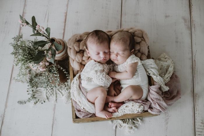 Babyfotos- Zwillinge-Neugeborenenfotos-Eschweiler-redfairy